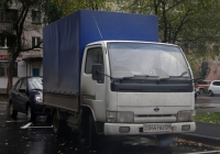 Грузовой автомобиль Nissan Atlas #044 TBZ 09. Тюмень, Ямская улица