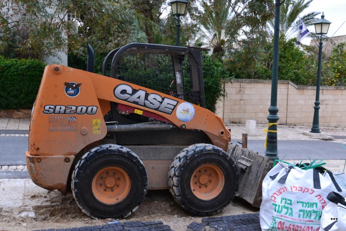 Мини-погрузчик CASE SR220. Израиль, Хайфский округ