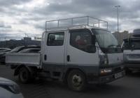 "Грузовой автомобиль Mitsubishi Fuso Canter #А 036 УО 196. Тюмень, парковка ТРЦ ""Кристалл"""