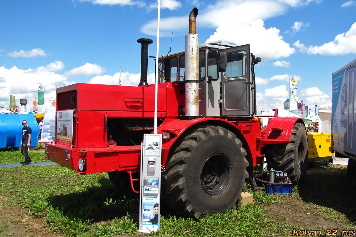 Трактор К-701Р. Алтайский край, Павловский район, в окрестностях посёлка Прутской
