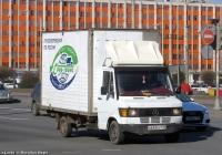 Фургон на шасси Mercedes-Benz T1 #Н 642 ЕУ 178 Санкт-Петербург, площадь Конституции. Санкт-Петербург