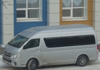 Микроавтобус Toyota Hiace #М 530 ЕТ 799.  Курган, улица Куйбышева