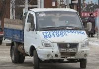 """Бортовой грузовик ГАЗ-3302 """"Газель"""" #М 632 ХУ 72.  Курган, улица Гоголя"""