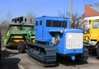 Трактор С-80 с прицепным скрепером . Харьковская область, г. Харьков, полигон ХНАДУ