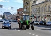 Трактор Беларус-82.1 СМ с дробилкой-измельчителем. Харьковская область, г. Харьков, Армянский переулок