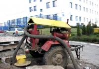 Самовсасывающий насос С-245 на прицепе, откачивает воду из камеры теплосети. Харьковская область, г. Харьков, улица Шатиловская