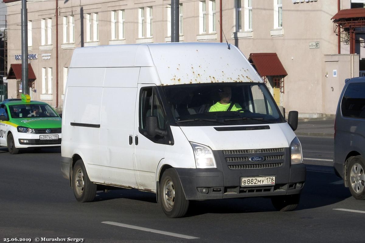 Цельнометаллический фургон Ford Transit Mk7 #В 882 МУ 178. Санкт-Петербург, Благодатная улица