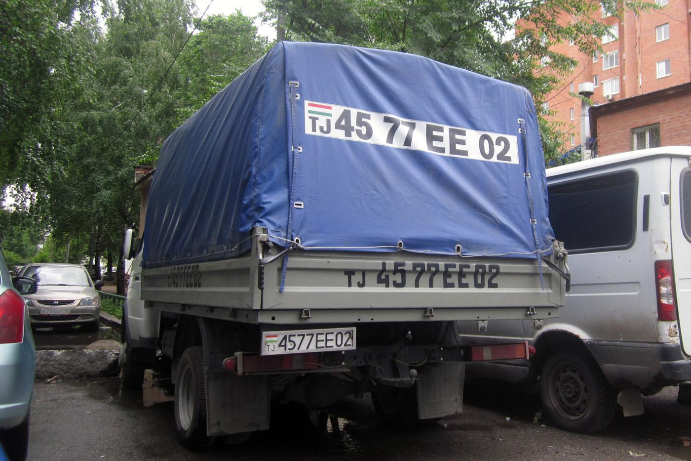 """Бортовой грузовой автомобиль ГАЗ-3302 """"Газель""""  #4577EE02. Тюмень, Олимпийская улица"""