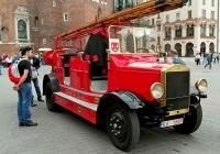 Пожарная автолестница #K61669. Rynek Główny, Краков, Польша