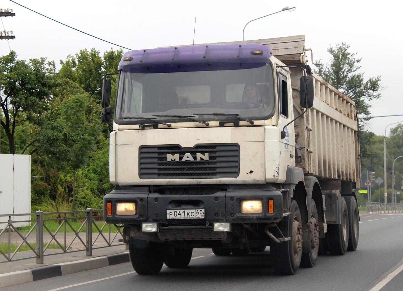 Самосвал MAN DF #Р 041 КС 60. Псковская область, трасса Р-23