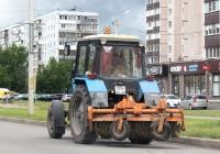 Трактор Беларус-82.1 (МТЗ-82.1). Псков улица Труда