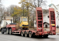 Низкопольный трал Nooteboom OSD-4803 #НН 0998 60 с мини экскаватором Volvo. Псков, Ленинградское шоссе