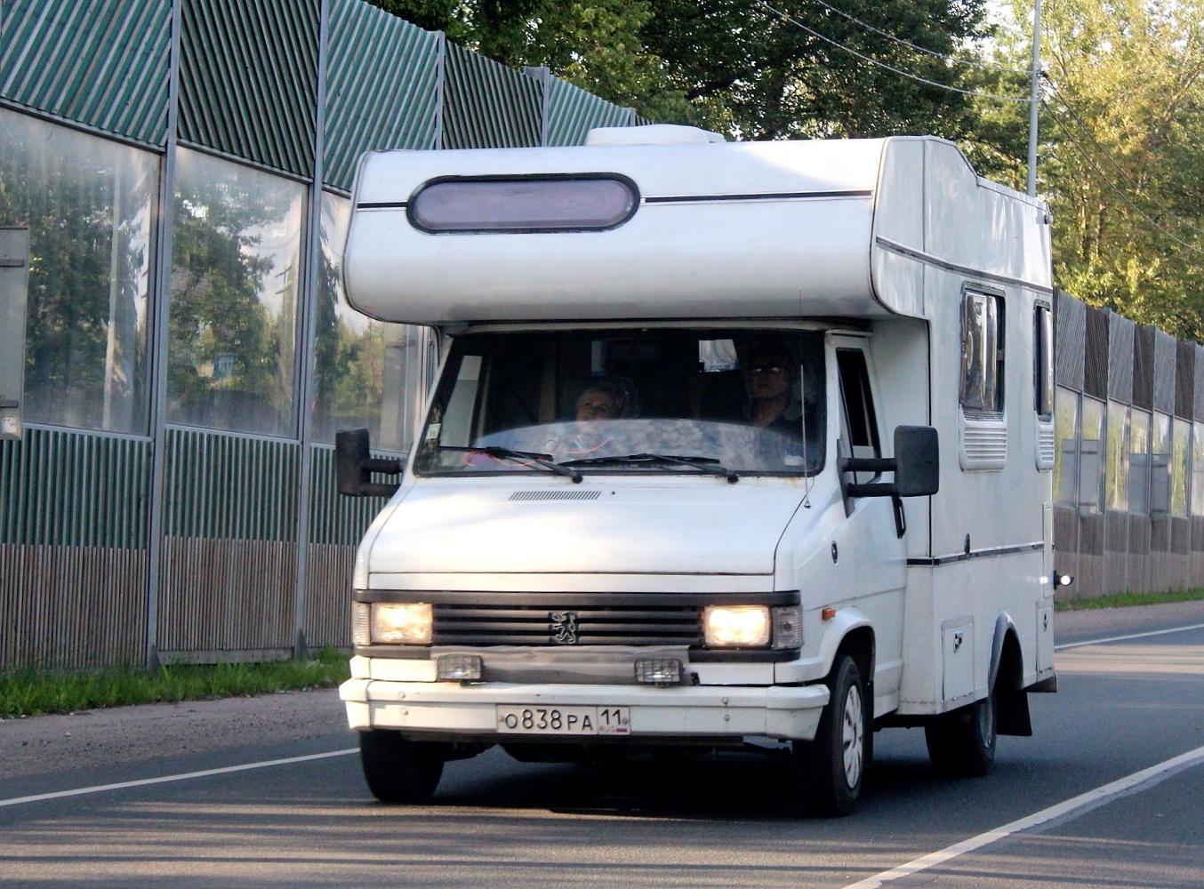 Автодом на шасси Peugeot J5 #О 838 РА 11. Псков, Ленинградское шоссе