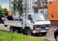 Бортовой грузовик Toyota Dyna #С 291 КС 60. Псков, Коммунальная улица