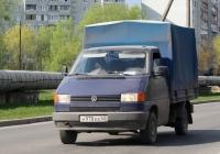 VW Transporter T4 #Н 978 ЕЕ 60. Псков, Инженерная улица