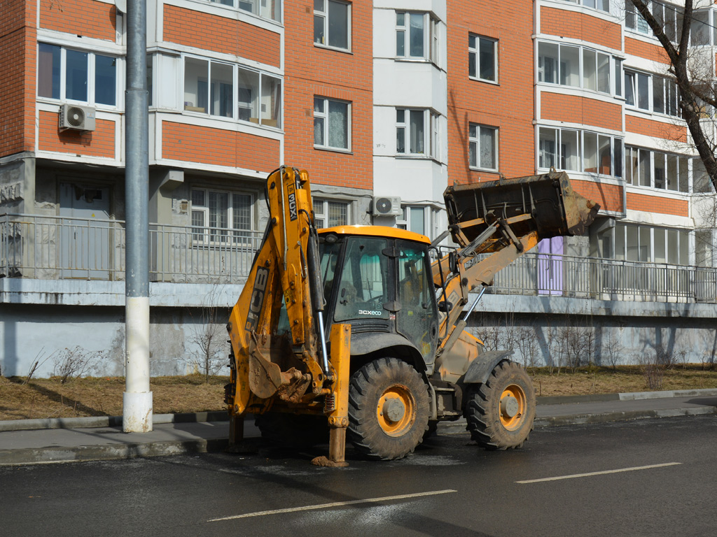 Экскаватор-погрузчик JCB 3CX ECO . Москва, Бескудниковский переулок