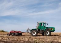 Трактор ХТА-250-11 «Слобожанец», #18544АХ с дисковой бороной Pallada 4000. Харьковская область, село Черняки