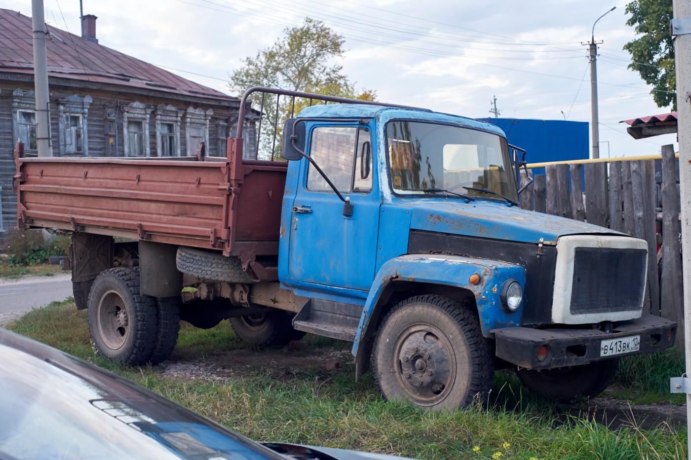 грузовой автомобиль ГАЗ-3307. Марий Эл, г. Козьмодемьянск, ул. Чкалова