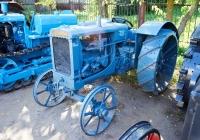 трактор McCormick W 12. Чувашия, г. Чебоксары, пр. Мира, научно-технический музей истории трактора