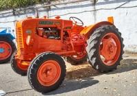 трактор FIAT 25. Чувашия, г. Чебоксары, пр. Мира, научно-технический музей истории трактора