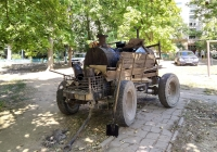 Подогреватель смолы для проведения дорожных работ. Приднестровье, Тирасполь, Одесская улица