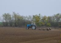 Трактор Беларус-892.2 с водоналивным катком. Украина, Херсонская область, Белозёрский район