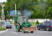 Экскаватор ЭО-2621В-3. Приднестровье, Бендеры, Тираспольская улица