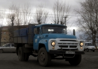 Бортовой грузовой автомобиль ЗИЛ-431410 #Е 382 МУ 72. Тюмень, улица Республики