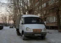 """Бортовой грузовой автомобиль ГАЗ-33023 """"Газель"""" #В 472 ОЕ 72. Тюмень, улица Судостроителей"""