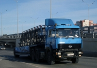 Седельный тягач Урал-6470 #М 995 КС 72 с полуприцепом. Тюмень, улица Федюнинского
