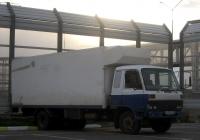 Фургон на шасси Nissan Diesel Condor #О 453 ХР 72 . Тюмень, улица Федюнинского