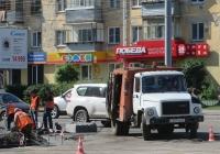 Подметально-уборочная машина ПУМ-1 на шасси ГАЗ-3307 #Е 347 ЕВ 45 . Курган, Пролетарская улица