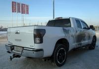 Пикап Toyota Tundra #У 060 ХН 86. Тюмень, Профсоюзная улица