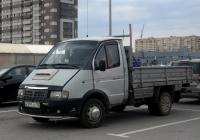 """Бортовой грузовой автомобиль ГАЗ-3302 """"Газель"""" Н 395 СВ 96 . Тюмень, парковка ТРЦ """"Кристалл"""""""