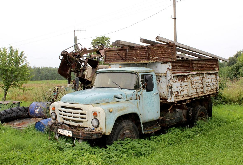 Самосвал ЗИЛ-ММЗ-554М на шасси ЗИЛ-130Б2 #К 896 ВН 60. Псковская область, Великолукский район, Нивы