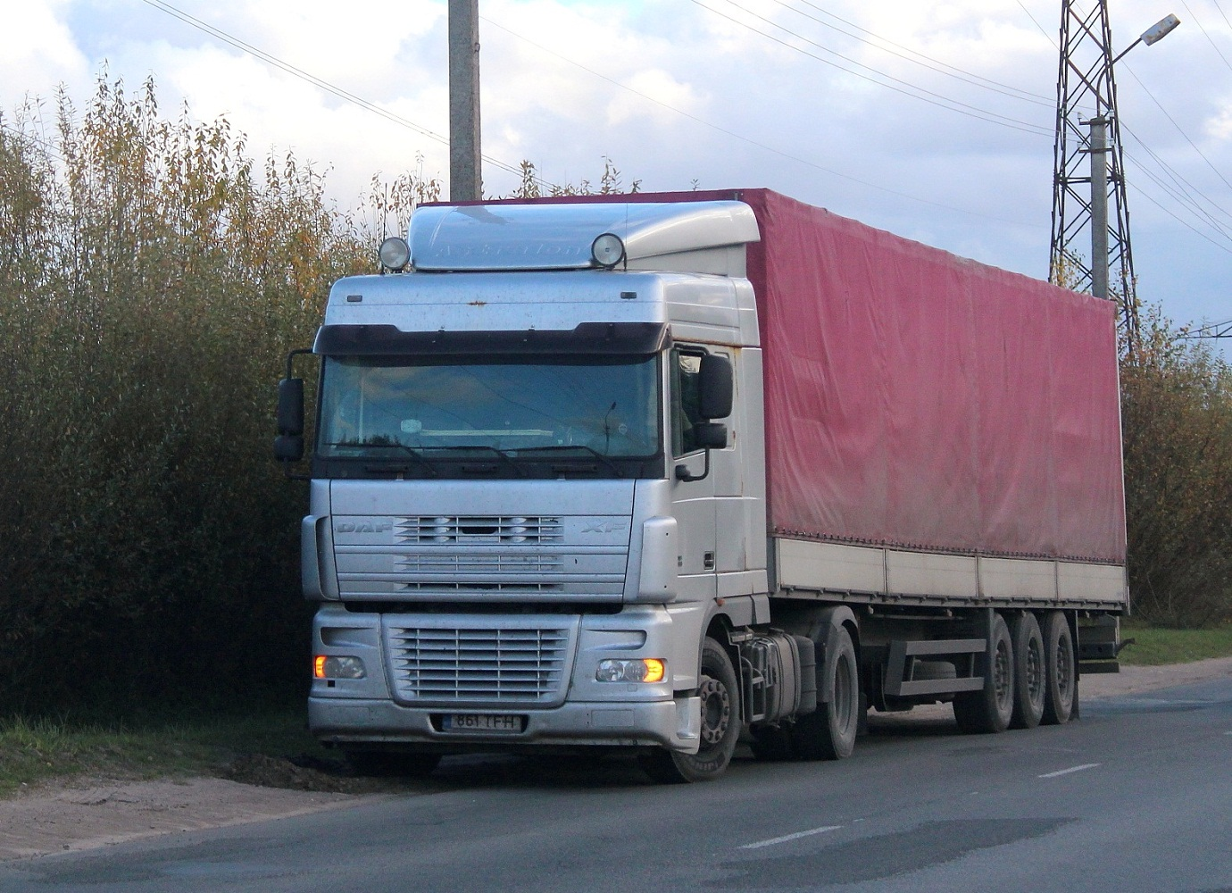 Седельный тягач DAF FT XF95 #861 TFH. Псков, Инженерная улица