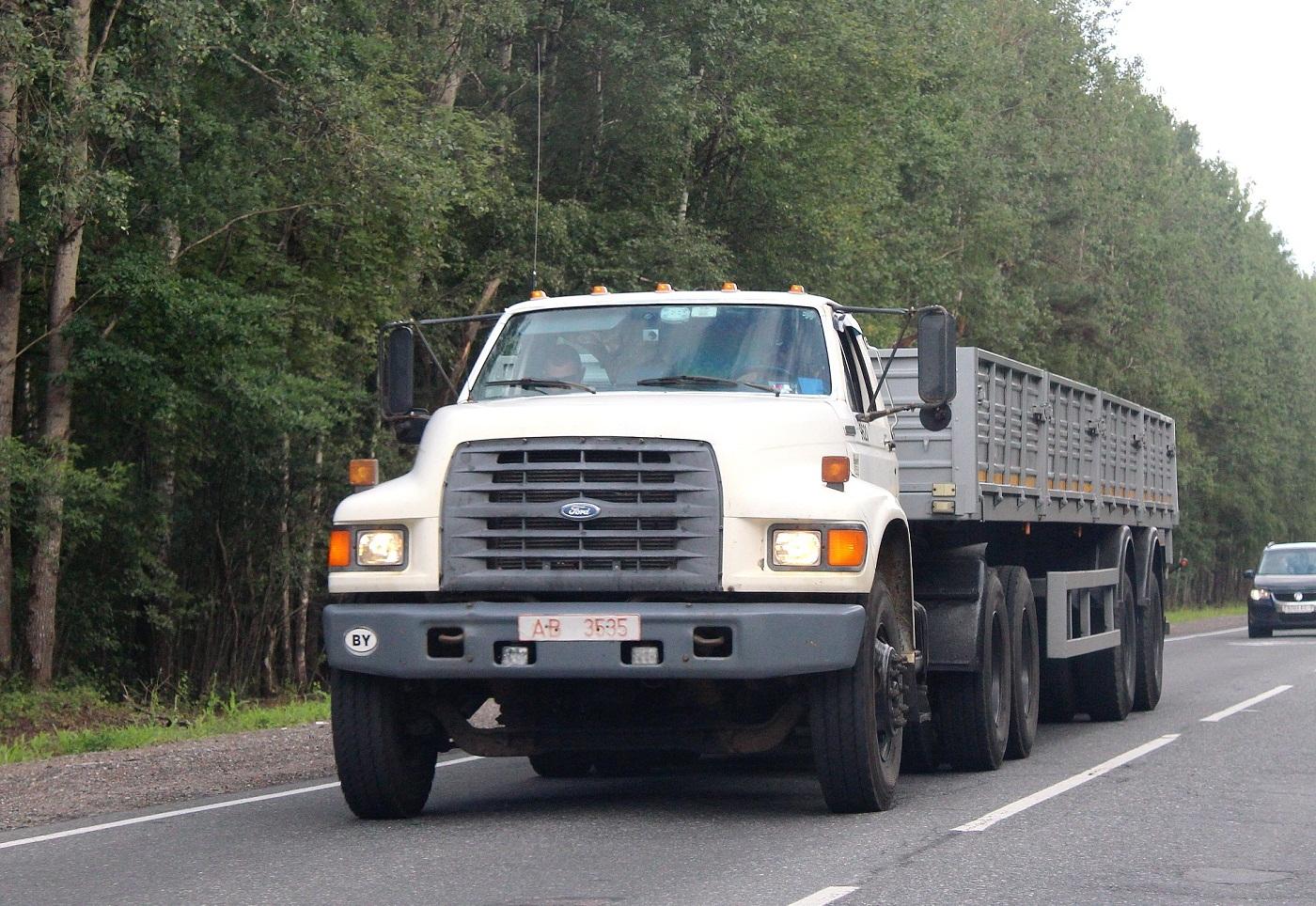 Седельный тягач Ford F-800 #AВ 3535. Псков, Ленинградское шоссе