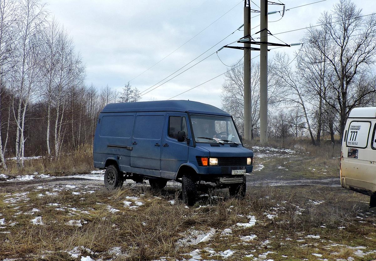 Грузовой фургон Mercedes-Benz T1 #229-92 ХА. Харьковская область, пгт. Песочин
