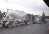Полуприцеп и прицеп для перевозки цемента. Newark, California, USA