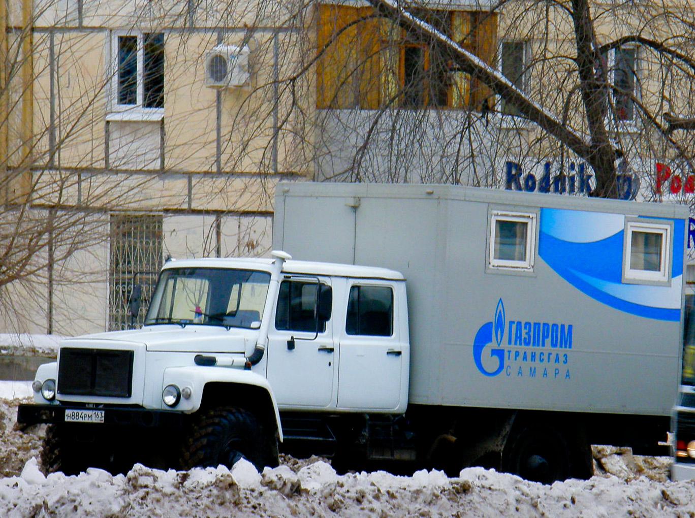 ГАЗ-3308 #Н 884 РМ 163. Самара, улица XXII Партсъезда