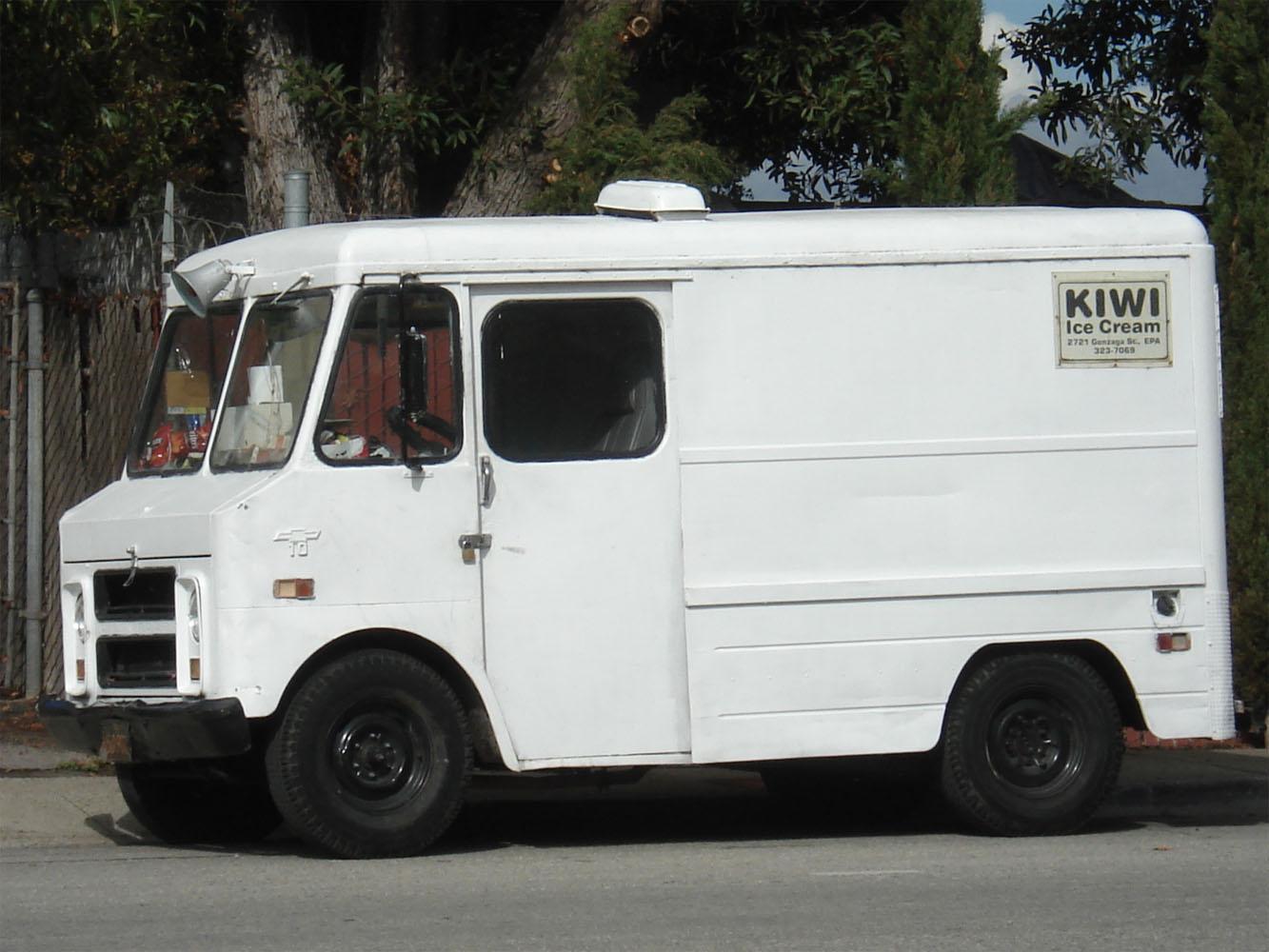 Фургон Chevrolet. East Palo Alto, California, USA