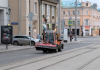 Подметально-уборочная машина Holder № 6231. Москва, Лесная улица