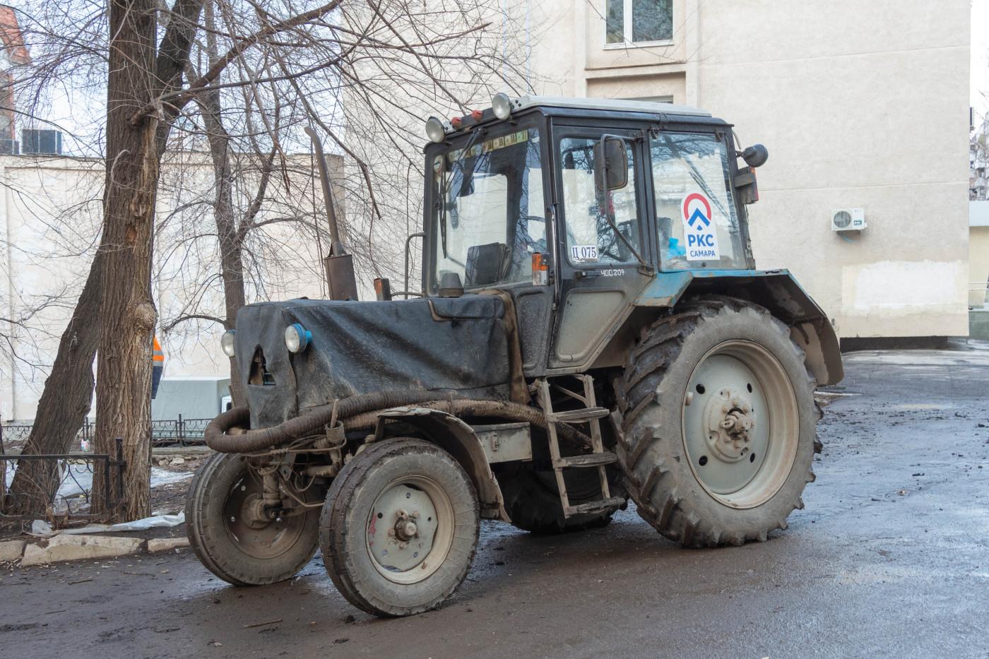трактор МТЗ-82.1 с насосным оборудованием. г. Самара, ул. Ново-Садовая