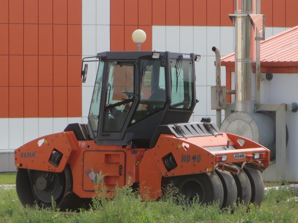 Каток Hamm HD90.  Курган, Молодёжный парк