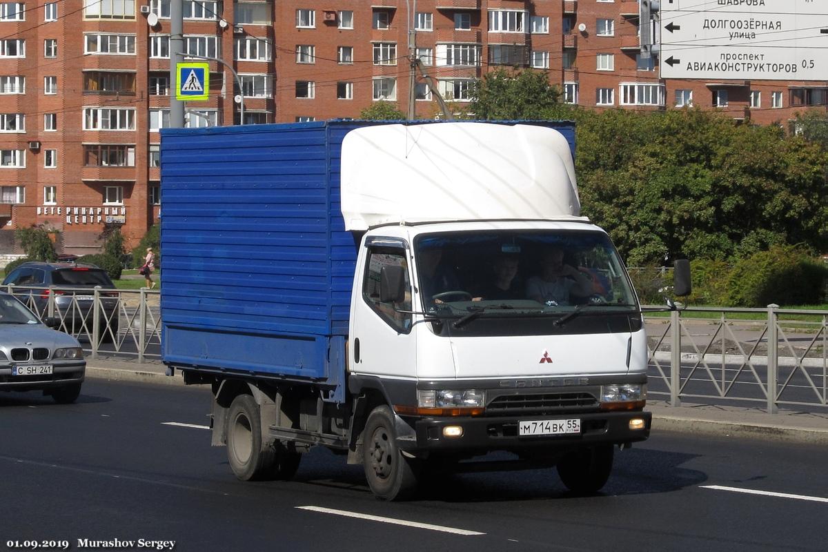 Грузовой автомобиль Mitsubishi Canter #М 714 ВК 55. Санкт-Петербург, Комендантский проспект