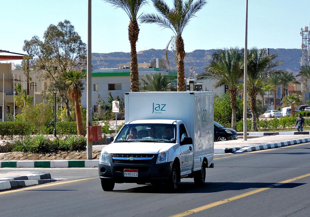 Изотермический фургон Chevrolet  . Египет, South Sinai Governorate, Qesm Sharm Ash Sheikh, Hadaba, Umm El Seed
