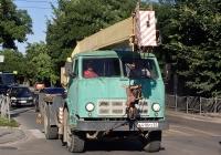 Автокран на шасси МАЗ-5334. Крым, Евпатория, Интернациональная улица
