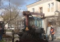 Подъёмник монтажный специальный ОПТ-9195 на базе трактора ЮМЗ-6*, #0197 КВ 82. Крым, Евпатория, улица Дмитрия Ульянова