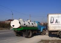 Автоцистерна для перевозки молока на шасси ГАЗ-53-12 #В 770 РВ 82. Крым, Евпатория, проспект Победы