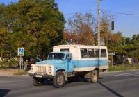 Вахтовый автобус на шасси ГАЗ-53-12, А 725 ОТ 82. Крым, Евпатория, улица 2-й Гвардейской Армии